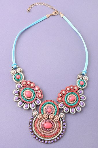 Tribal Color Stone Rope Necklace.