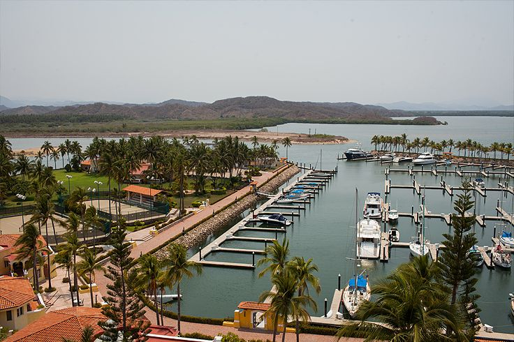 Hotel Grand Bay Isla Navidad #islanavidad #grandbayislanavidad #windham #hotelsinmexico