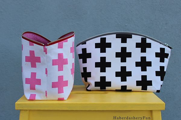 Sew.. A Curvy Zip Clutch Tutorial and pattern.  Great for makeup, baby gear and as a clutch