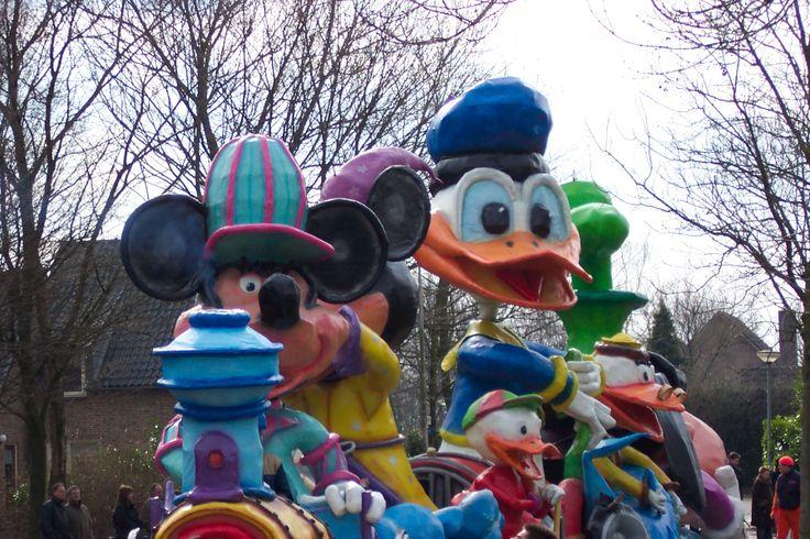 Bokkendillies Oijen 2004 - Disney