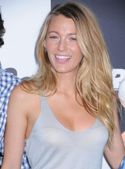 Blake Lively Long Wavy Cut - Blake looked nothing short of stunning with soft, windblown waves.