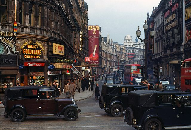 London, 1940s, in hi-res colour. These photographs were taken using Kodachrome film by the improbably and wonderfully named Chalmers Butterfield, probably in 1949. Via How To Be a Retronaut.