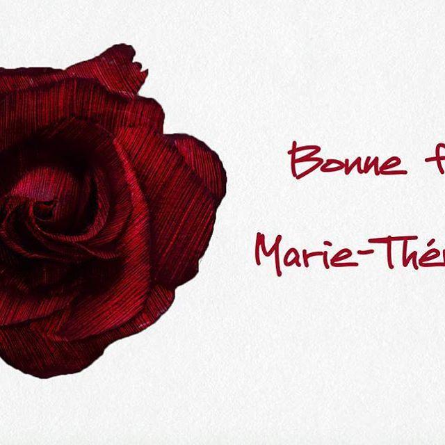 Bonne fête Marie-Thérèse  #ptak #ptakptak #ptakblog #ptakdesign #bonnefete #namenstag #fete #illustration #illustrator #designer #illustratrice #picame #illustrationartists #instasketch #rose #nature #naturelover #marietherese #flower #fleur #drawing #sketch