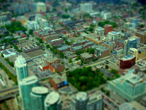 How to Create Your Own Tilt-Shift Photograph in Photoshop: Photoshop Tilt Shift, Tilt Shift Photography, Tilt Shift Photographs, Photoshop Lightroom Tutorials, Adobe Photoshop, Photography Tips, Photography Stuff, Photography Helps, Photoshop Tutorials