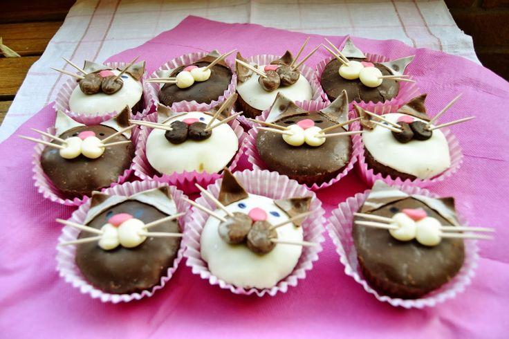 Risultati immagini per cupcake gatto