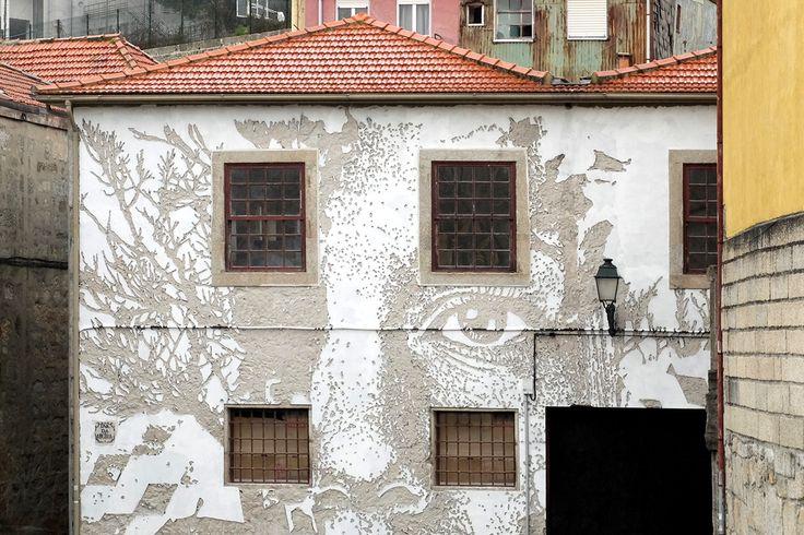 Vhils completou a sua segunda obra no Porto, a primeira num espaço público #PortoCanal #Acordar #ViagemOnline #PauloFrias 18.04.2016
