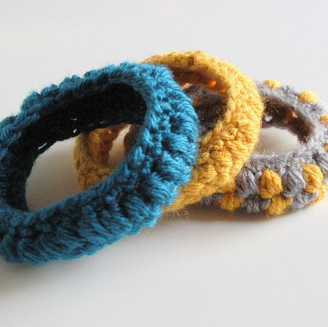 Free crocheted bracelet pattern.  Looks good in single or multiple colours.  Skills needed: chain, single crochet, slip stitch, and a puff stitch