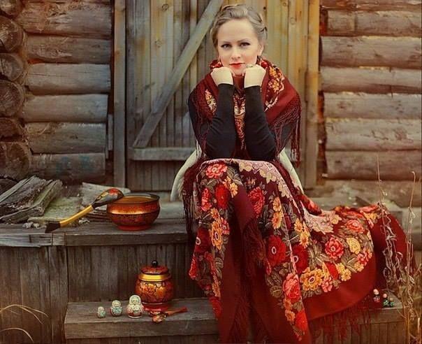 В русской деревне юбки стали носить не ранее середины XIX века.