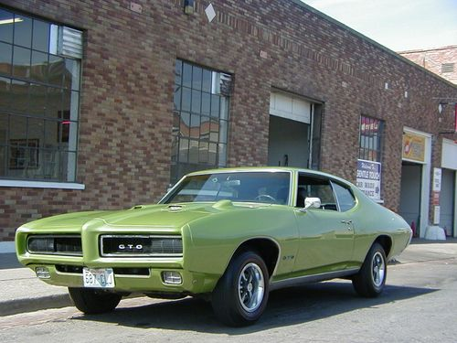 20 best images about pontiac girls on pinterest pontiac gto models and solar. Black Bedroom Furniture Sets. Home Design Ideas