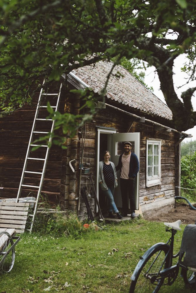 Summer cottage: Pelle and Linnéa