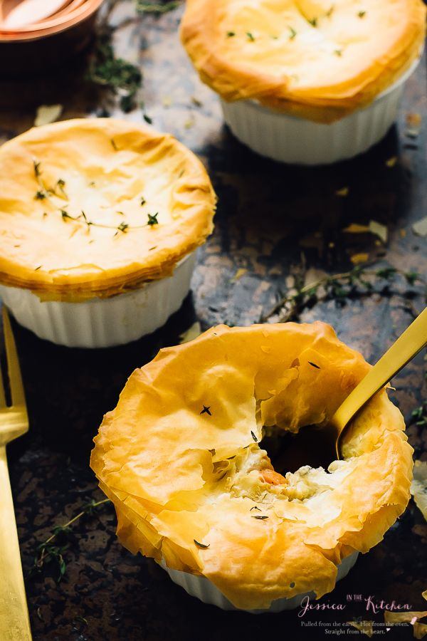 These Vegan Pot Pies are done in less than an hour! They are loaded with only healthy, delicious and filling ingredients and have a gluten free option!