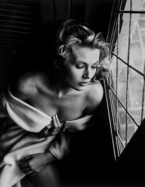 """Anita Ekberg, 1956 (Peter Basch) via mote-historie From this morning's New York Times obituary: """" Anita Ekberg, who became an international symbol of lush beauty and unbridled…"""