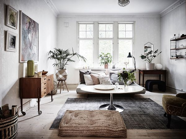 A Beautiful Swedish Home With Traditional Features Living Room Scandinavian Contemporary Home Decor Scandinavian Design Living Room