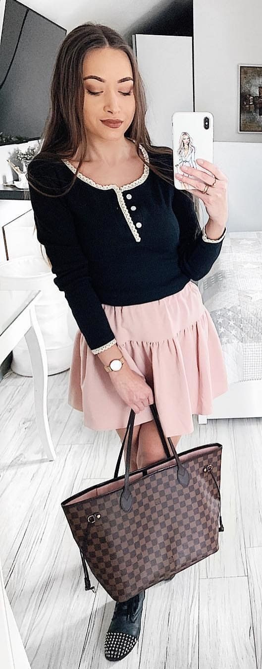 black long-sleeved top #spring #outfits