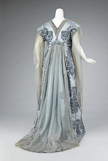 1910 Worth gown worn by the wife of JP Morgan Jr. Met museum.