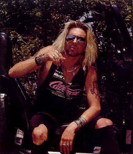 taime downe - so fine with the scruffy face
