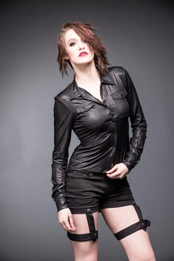 Disponible en tienda y en tienda online. http://shop.battlemetalstore.es/es/mujer/289-camisa-de-chica-en-piel.html  #camisa #nerga #mujer #rock