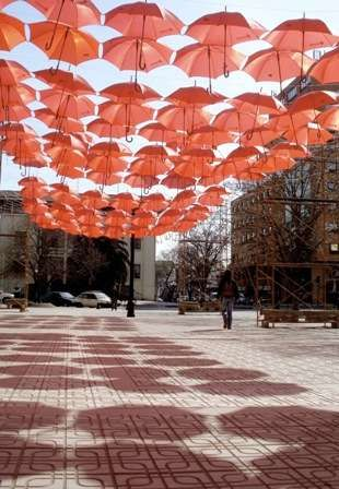 Rainproof Roofs - 400 Red Umbrellas Suspend Over a Mall in Talca City (GALLERY)