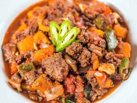 This isn't your mom's chili! We pair savory organic turkey with butternut squash, onions, cilantro, bell peppers, tomato and a touch of chipotle for a smokey flavor. | Paleo Zone meal delivery. | As seen on Shark Tank.