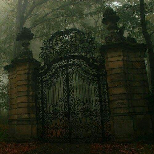 Old Mansion Gate
