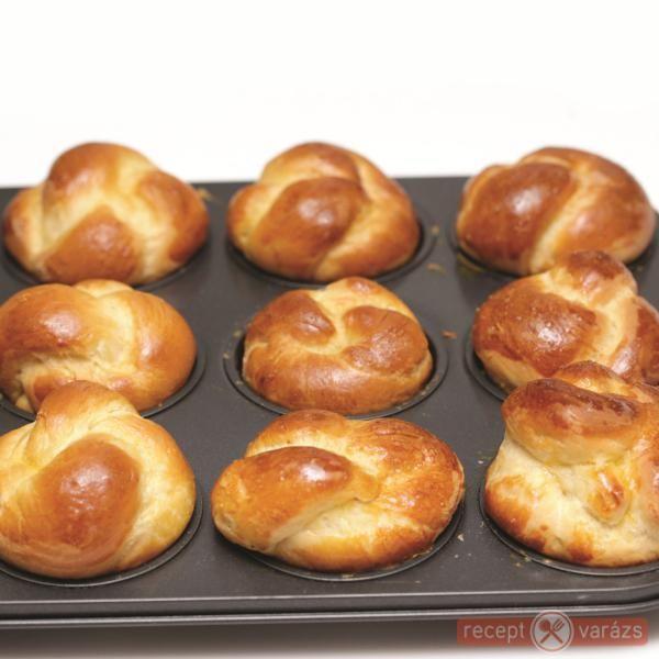Briós muffinformában sütve