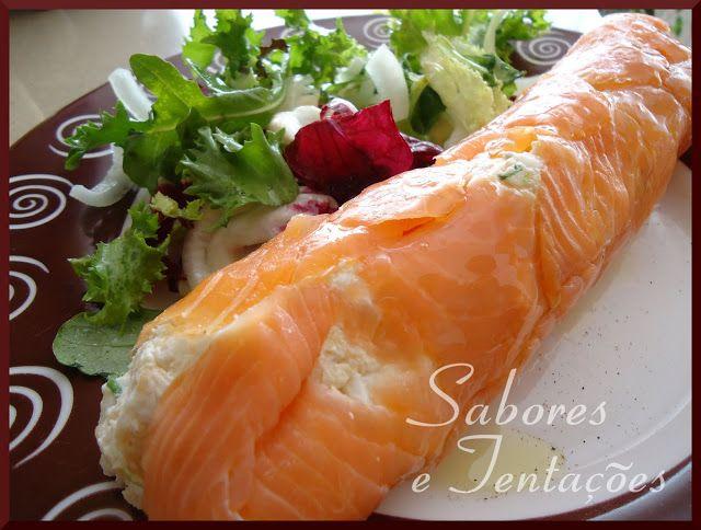 Rolo de salmão com recheio de sapateira