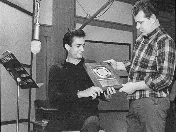 SUN RECORDS: Rock 'n' roll pioneer Sam Phillips, discoverer of Johnny Cash, Elvis Presley and many others. ... like Roy Orbison, Carl Perkins< Jerry Lee Lewis