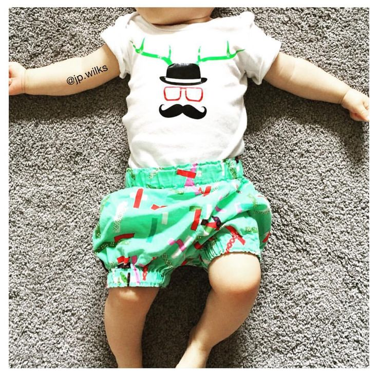 """How cute is this little christmas outfit @jp.wilks put together for her gorgeous bubba with our #MÔMES """"Sven"""" baby onesie?! Love this!! 