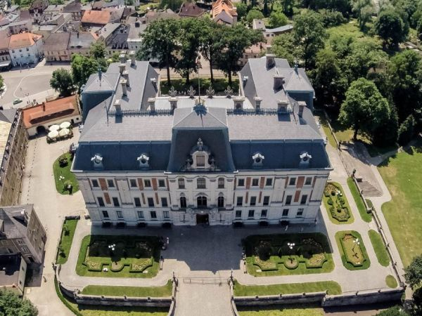 Pszczyna palace in Poland  From Apgmbc