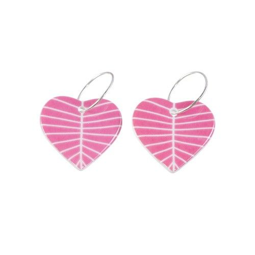 Petal Pink earrings - Sägen #nordicdesigncollective #sagen #heart #hjarta #love #valentine #valentinesday #happyvalentine #bemyvalentine #iheartu #iloveyou #pink #earrings #china #porcelain #redesign #jewelry