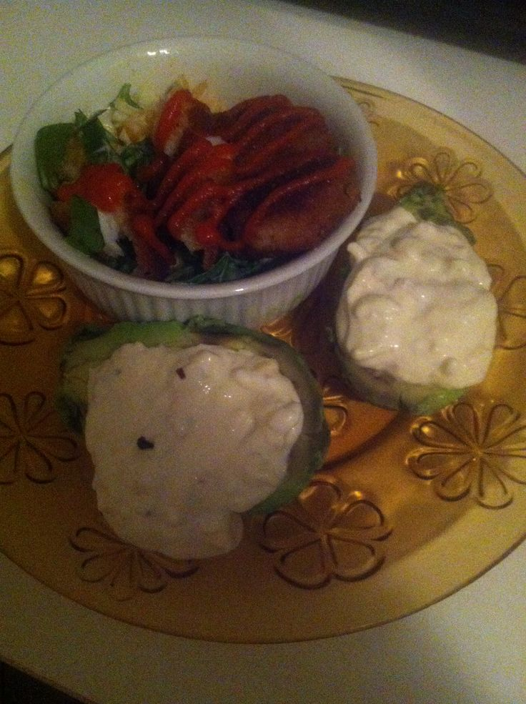 Dinner: Avocado filled with artichoke dip, tomato, spinach, onion salad with fired fish and wasabi dressing. +tea