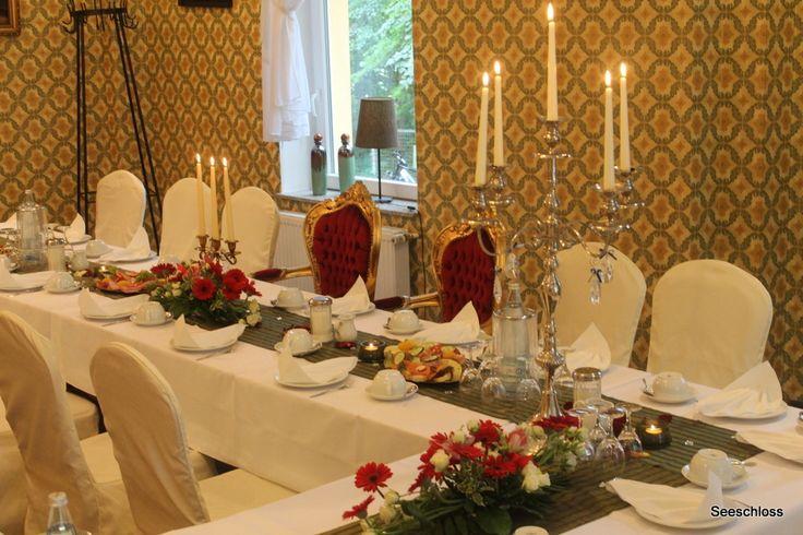 Goldene Hochzeit im Seeschloss am Bötzssee . Das Schlossherrenzimmer .