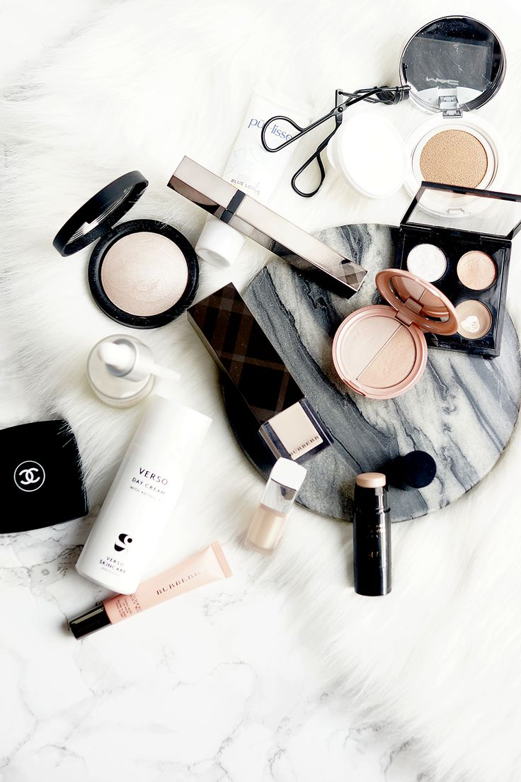 FRESH FACED IN FIVE MINUTES. | Barely There Beauty - A British-Korean Beauty & Lifestyle Blog http://www.barelytherebeauty.com/2017/01/5-minute-glowing-skin-makeup-routine.html