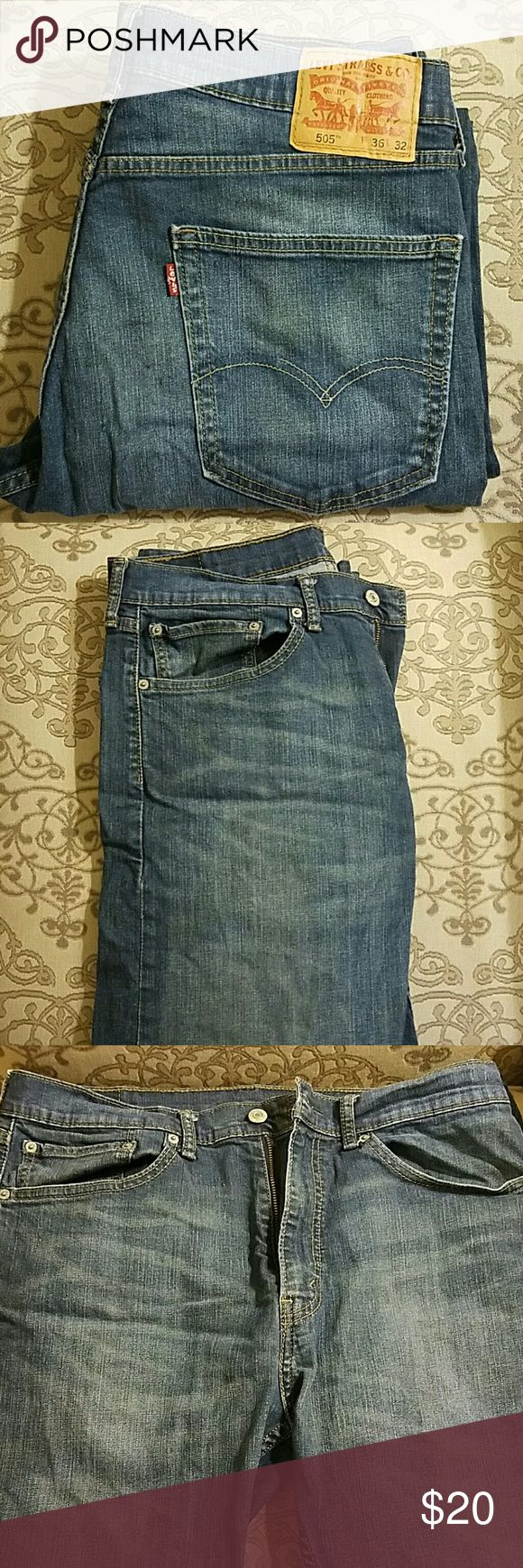 Men's Levi's 505 Regular Fit Jeans These jeans are in great used condition and come come from a smoke free home. Please see all pictures and feel free to ask any questions. Levi's Jeans Straight