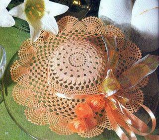 chapeau rose .  http://crochet-plaisir.over-blog.com/categorie-12361300.html#