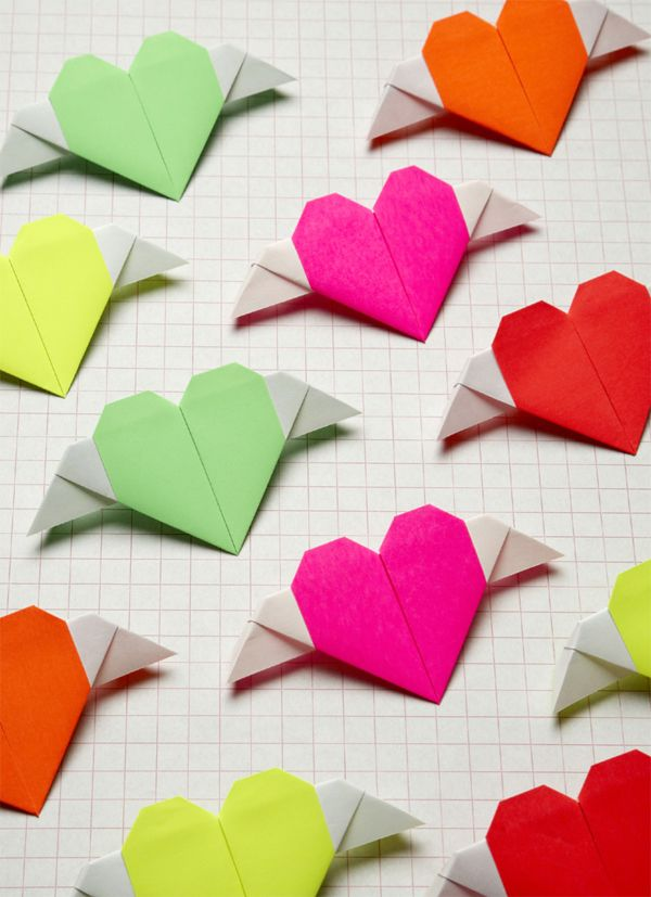 #DIY Origami Heart with wings: Heart Crafts, Fun Diy'S Crafts For Teens, Diy'S Easy Crafts For Teens, Diy'S And Crafts For Teens, Wings Heart, Easy Diy'S Crafts For Teens, Diy'S Origami, Wings Messenger, Origami Heart