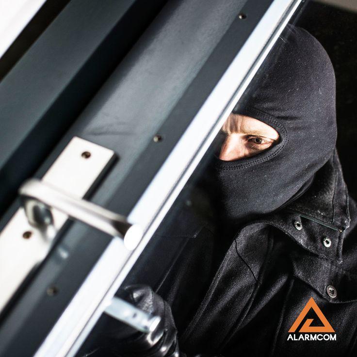 Alarmcom Akıllı Güvenlik Sistemleri sayesinde evinizi hırsızlara ve olası tehlikelere karşı korursunuz.