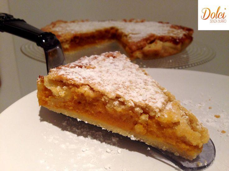 La PUMPKIN PIE SENZA BURRO è una speciale torta di zucca americana realizzata da una pasta leggera senza burro e senza uova che racchiude una cremosa farcia di #zucca dal sapore speziato! Fatevi conquistare dalla mia #pumpkinpie light! Ecco la #ricetta del #dolce http://www.dolcisenzaburro.it/uncategorized/pumpkin-pie-senza-burro/ #dolcisenzaburro healthy and light dessert cakes sweets