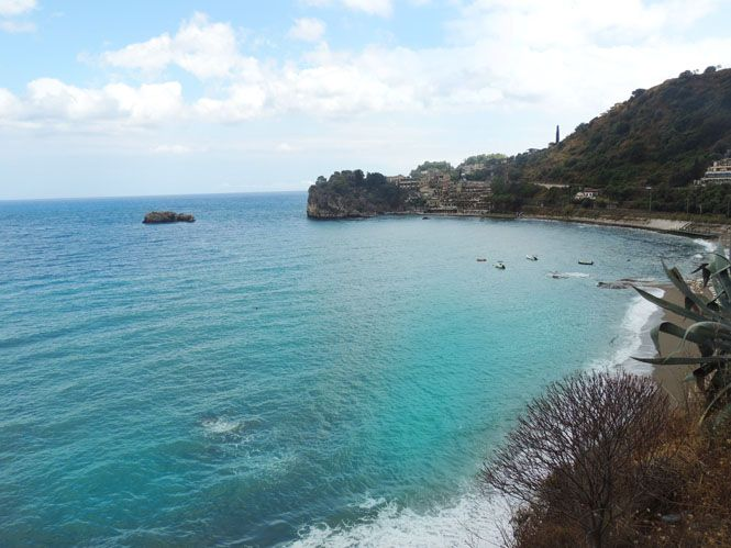 Travel Guide to Taormina + Messina, Sicily