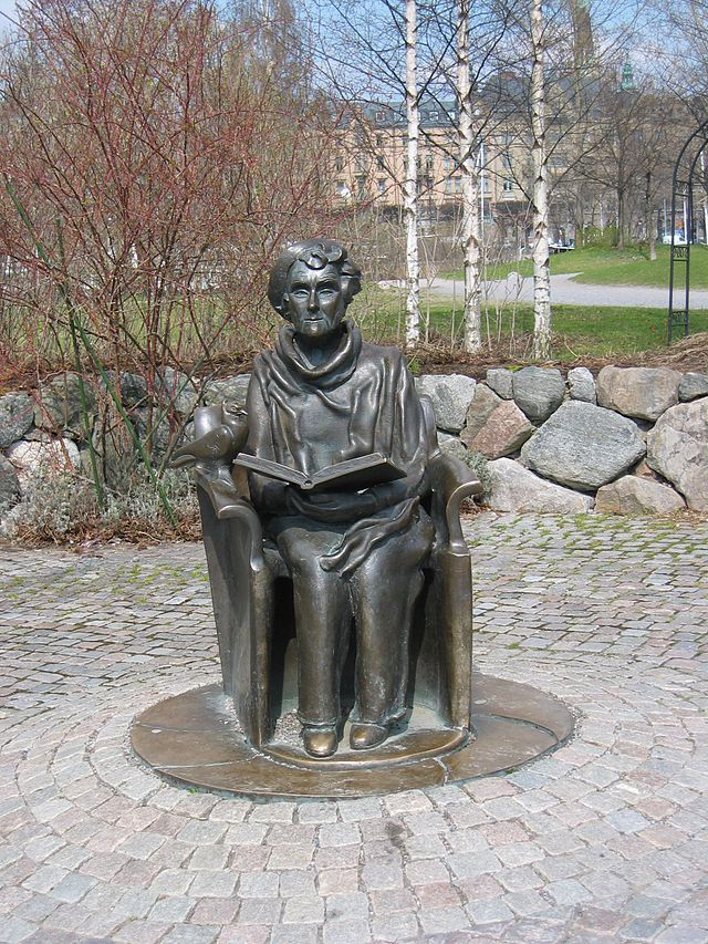 Statue of Astrid Lindgren by Hertha Hillfon (1921-), erected in 1996 outside Junibacken on Djurgården in Stockholm. | Photo: Stefan Ott
