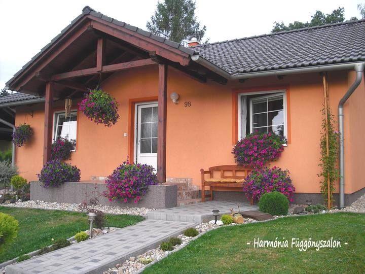 Gyönyörű szép balkon és virágládák, kaspók. - MindenegybenBlog