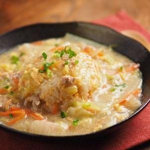 白菜とツナのあんかけチャーハン by 筋肉料理人さん | レシピブログ - 料理ブログのレシピ満載! こんにちは~筋肉料理人です!きょうの料理は白菜とツナのあんかけチャーハンです。シンプルな卵チャーハンに、白菜とツナ缶を使ったあんをたっぷりかけて作ります。寒い日にとっても嬉しいレシピです。白菜とツナ...