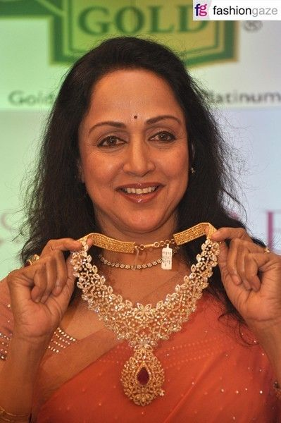 Indian Jewellery and Clothing: Hema malini with heavy diamond necklace from malabar gold and diamonds..