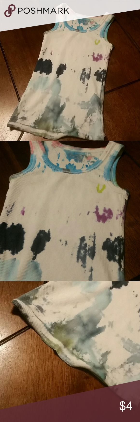 🎁 20% off 2!! 🎁 25% off 3!! 🎁 30% off 4!!🎁 Girls tie-dyed tank, white with dark blue, light blue, grey, pink, green & purple design, size small 6 - 6x, hem is coming undone as shown in photo #3 Cherokee Shirts & Tops Tank Tops