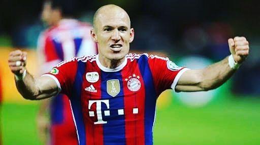 Arjen Robben resumes Bayern training. The Netherlands winger now is back again ;) #soccer24x7