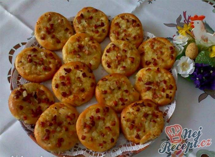Slaninovo-cibulové koláčky