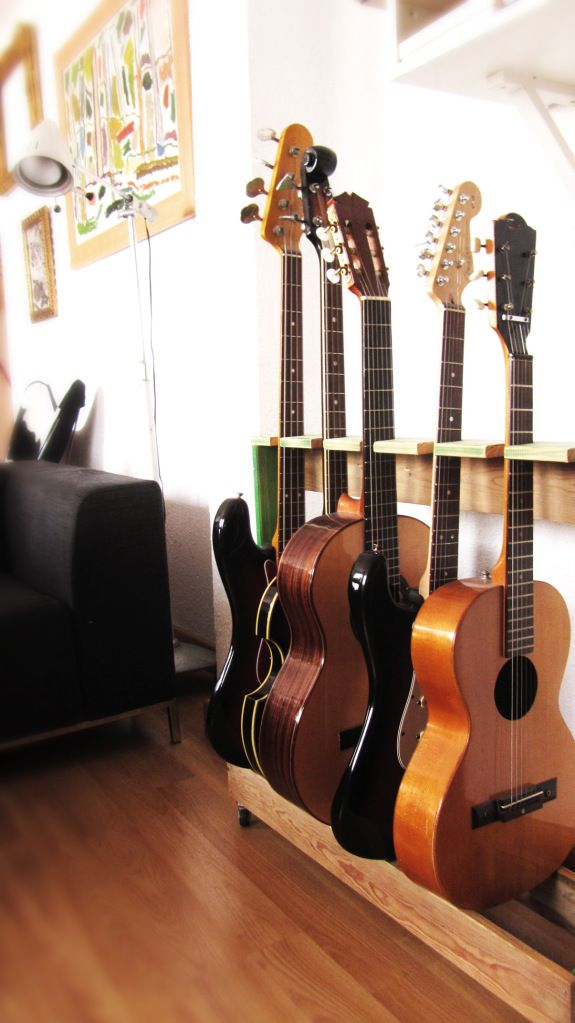 Ideas For Music Room Storage Offices Guitar Storage, Guitar Display, Guitar Rack, Guitar Hooks, Home Music Rooms, Music Studio Room, Wood Guitar Stand, Office Music, Decoration