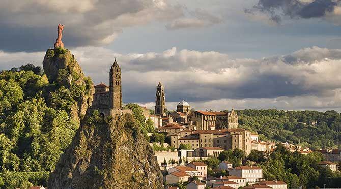 Le site du Puy-en-Velay.jpg