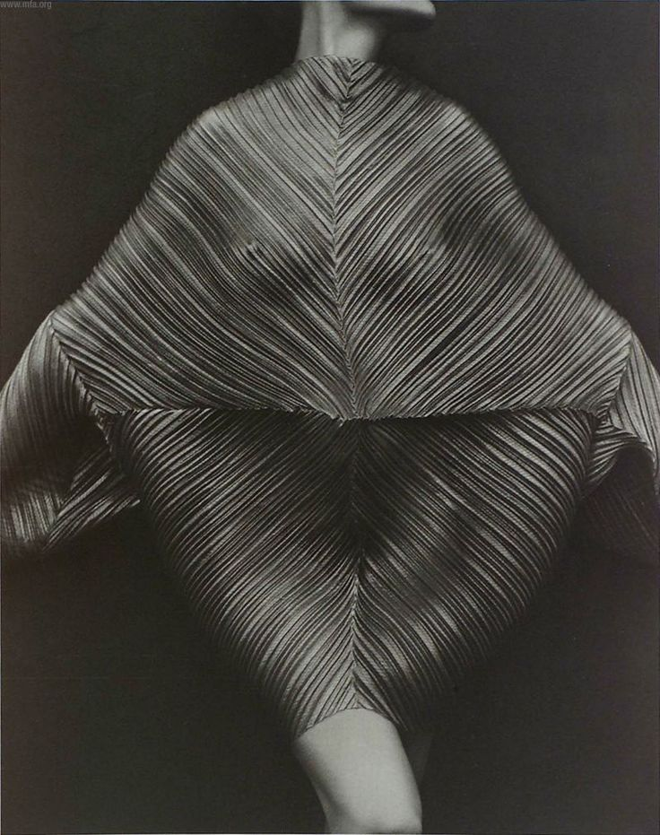 Issey Miyake's pleated dress, photographed by Irving Penn