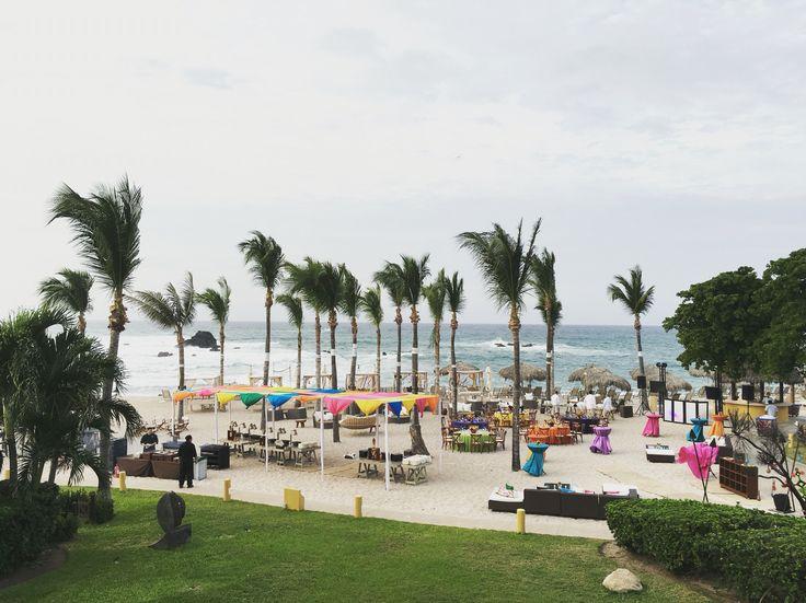 #puntamida #mexico #destinationwedding #ileniacaputo #sun #sea #bride #weddingday #weddingplanner #weddingphotographer